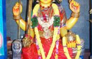 భక్తులతో కిటకిటలాడిన శ్రీ నూకాంబిక అమ్మవారి ఆలయం